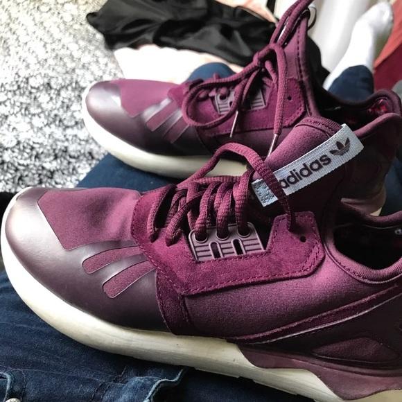 premium selection cea4b 150b1 Eggplant Adidas tubular sneakers